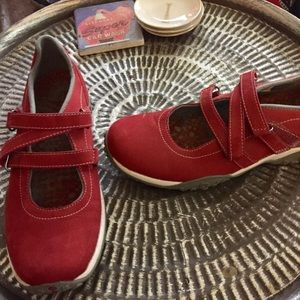 Timberland red leather Mary Jane Sneakers Sz 9